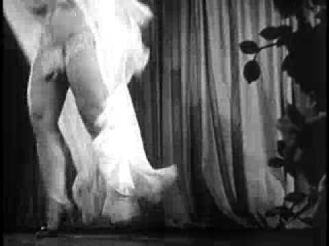 Fast Striptease by Burlesque Dancer Georgia Sothern, The Human Dynamo (1942)