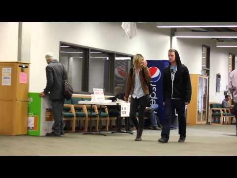 Guy Pranks Strangers by Awkwardly Walking the Same Direction