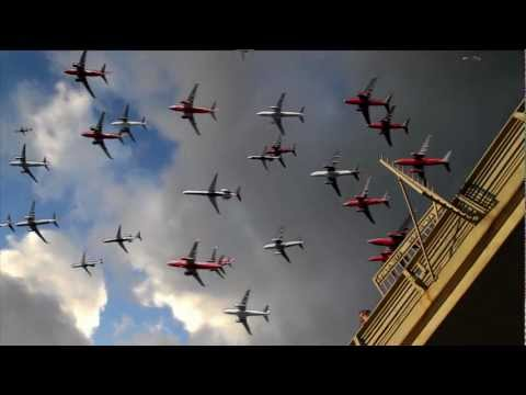 Six Hours of Airplane Departures Condensed Into 32 Seconds