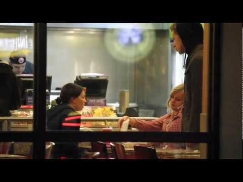 Guy Asks Strangers in Restaurants For Their Leftover Food