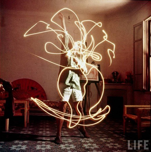Pablo Picasso Light Painting, 1949