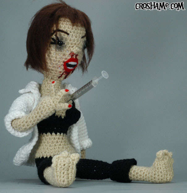 A-Mia-Gurumi Wallace, Pulp Fiction's Overdosed Mia as a Crocheted Doll