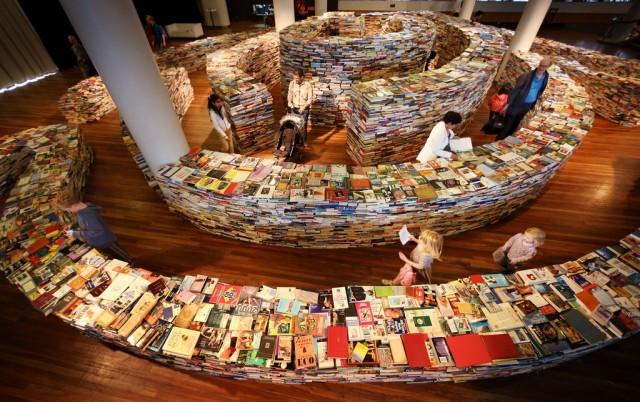 aMAZEme book labyrinth