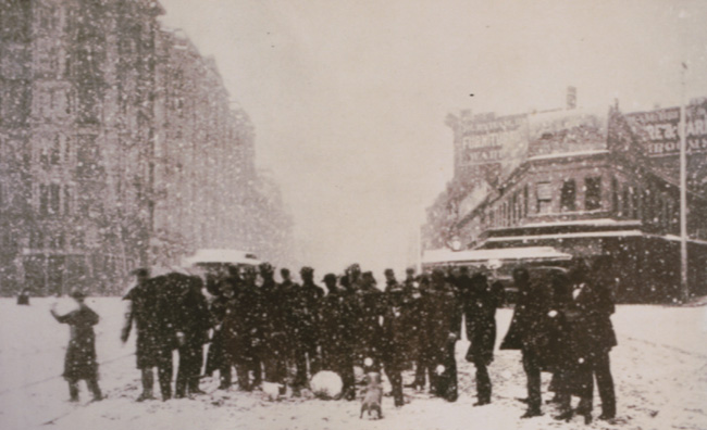 An image of downtown SF in the midst of 1882 snowfall (from TheStormKing.com)