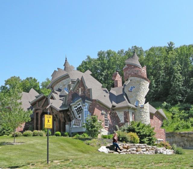 Deconstructing the Houses by Michael Jantzen
