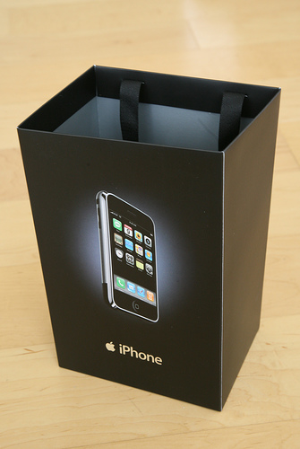 Apple iPhone Unboxing Photos