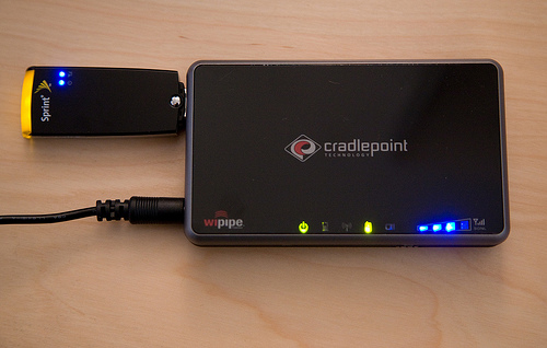 Cradlepoint CTR500 Personal Wi-Fi Hotspot Mobile EV-DO Router