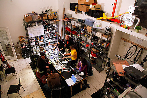 Fight Clubs For Nerds, Wired Reports On DIY Hackerspace Movement