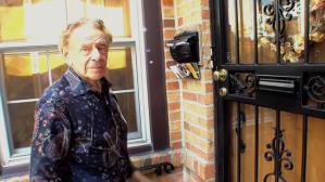 Jerry Stiller Visits Costanza Home