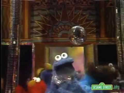 Cookie Monster as Tom Waits Singing 'Hell Broke Luce'