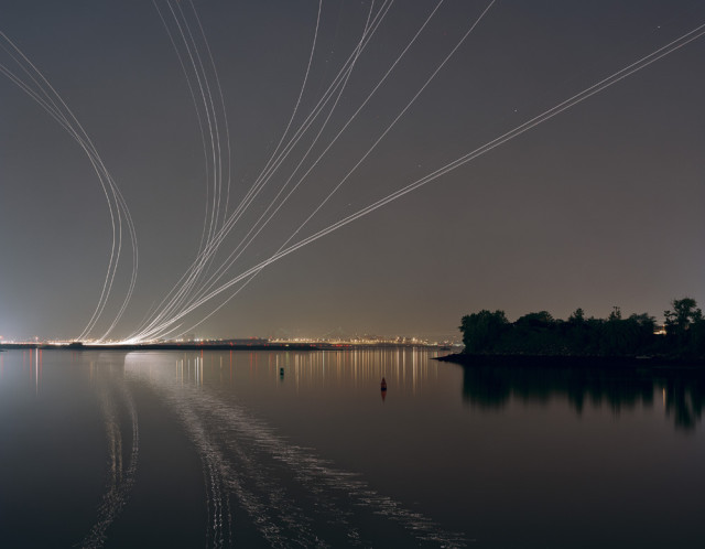 Nachtfluge, Long Exposure Photos of Airplane Flight Paths at Night