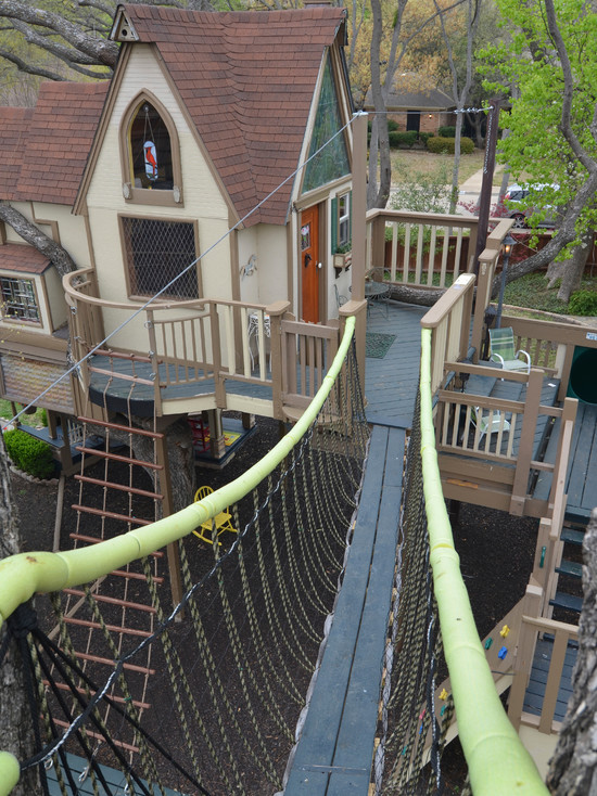 kids tree houses with zip line swing set texas couple builds elaborate tree house mansion for grandkids