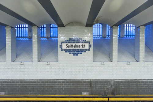 Endbahnhof photo blog of Berlin U-Bahn by Kate Seabrook