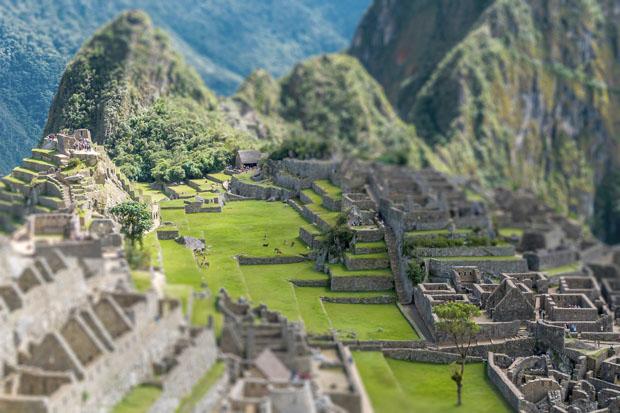 Tilt Shift, Photo Series of World Landmarks as Miniatures