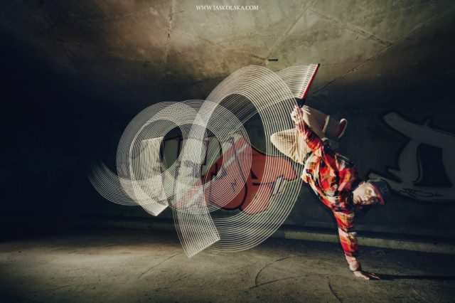 Light Painting with Breakdancers