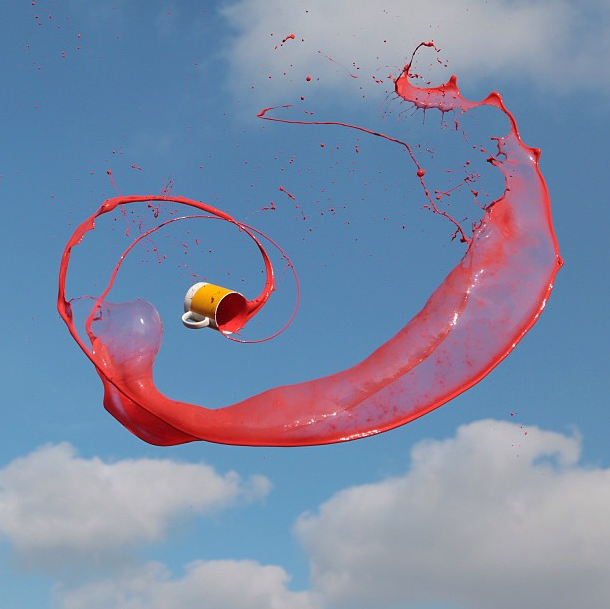 High Speed Photos of Flying Liquids by Manon Wethly