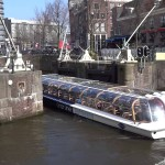 Long Sightseeing Boat Performs Extremely Sharp Turn in Cramped Amsterdam Canal
