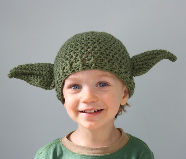 Star Wars Themed Crocheted Hats Mittens And Lightsabers