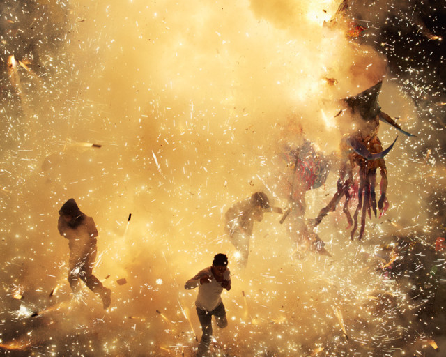 Incredible Photos of the National Pyrotechnic Festival in Tultepec, Mexico