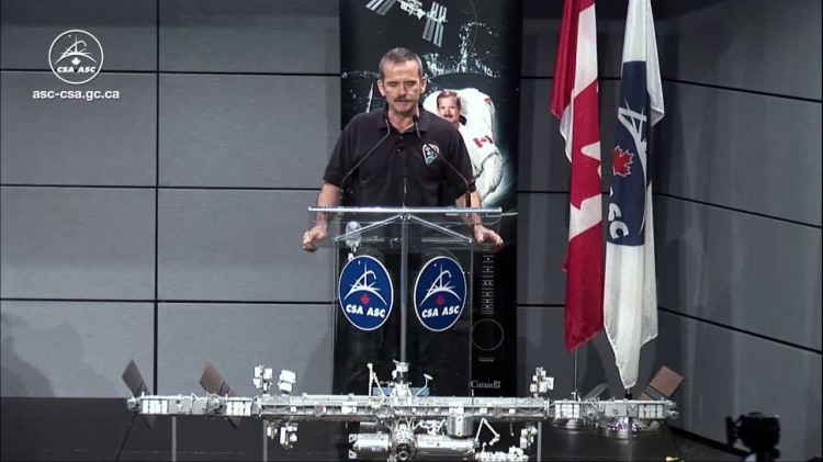 Astronaut Chris Hadfield to Retire From the Canadian Space Agency