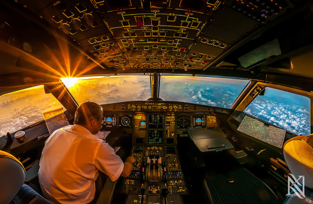 Pilot Takes Stunning HDR Photos From Inside Airliner Cockpits