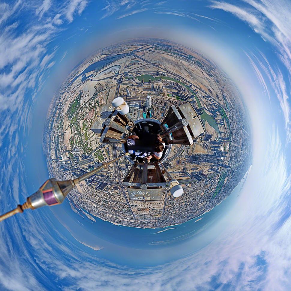 360 Panorama Looking Down at the Burj Khalifa, The World's ...