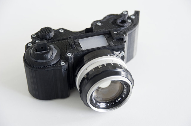 OpenReflex 3D Printed SLR by Leo Marius