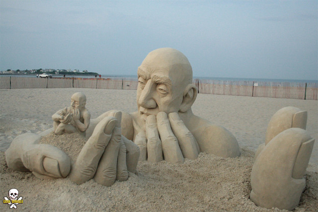 Infinity Sand Sculpture by Carl Jara