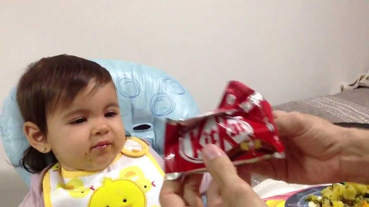 Dad Tricks Little Girl Into Eating Her Vegetables Using a Kit Kat Bar