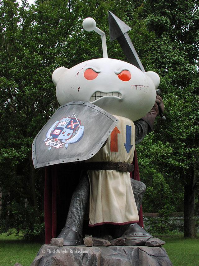 Life Size Reddit Alien Knight Statue