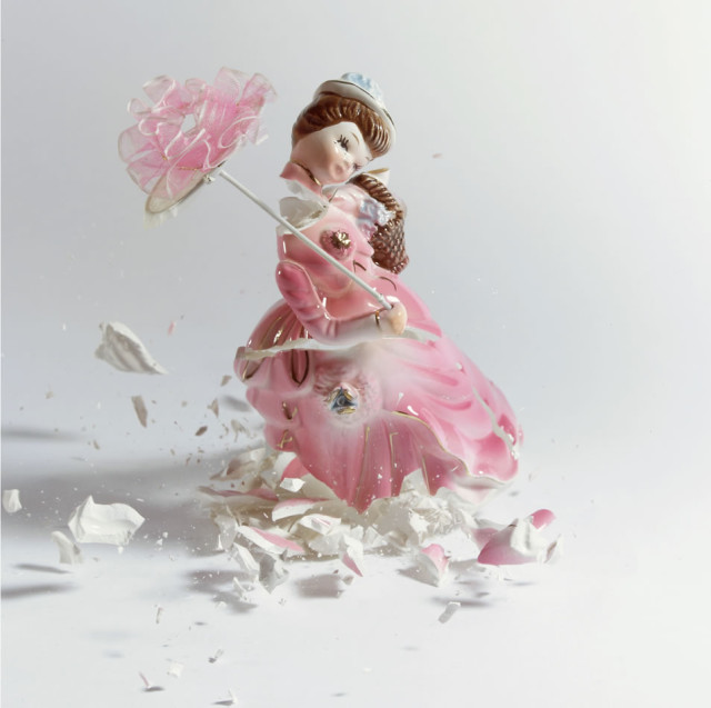 Shattering porcelain figurine photos by Martin Klimas