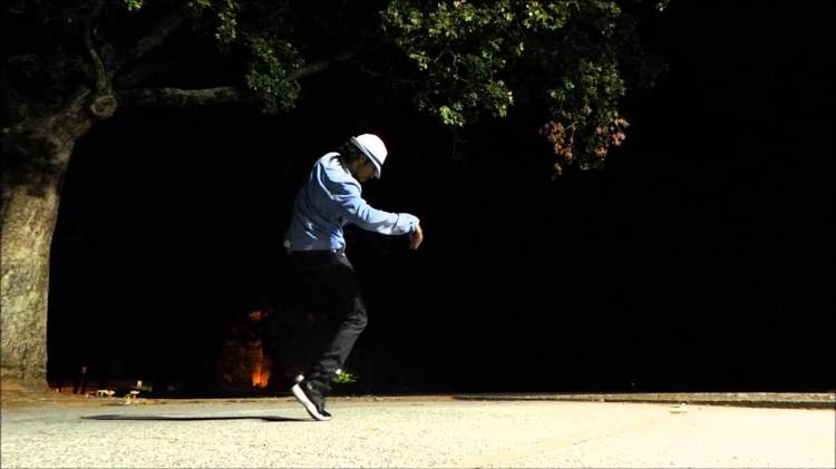 NONSTOP Dubstep Dances to 'Thriller' and 'Beat It' as a Tribute to Michael Jackson