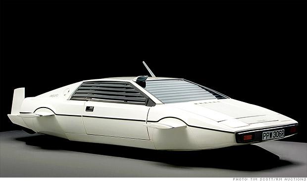 Elon Musk Jame Bond submarine car