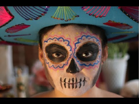 Día de los Muertos Face Makeup Tutorial by Burlesque Star Bunny Pistol