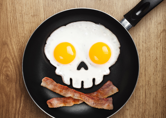A Mold to Make Skull-Shaped Fried Eggs