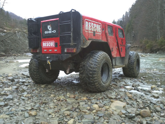 Rescue truck by Ghe-O Motors