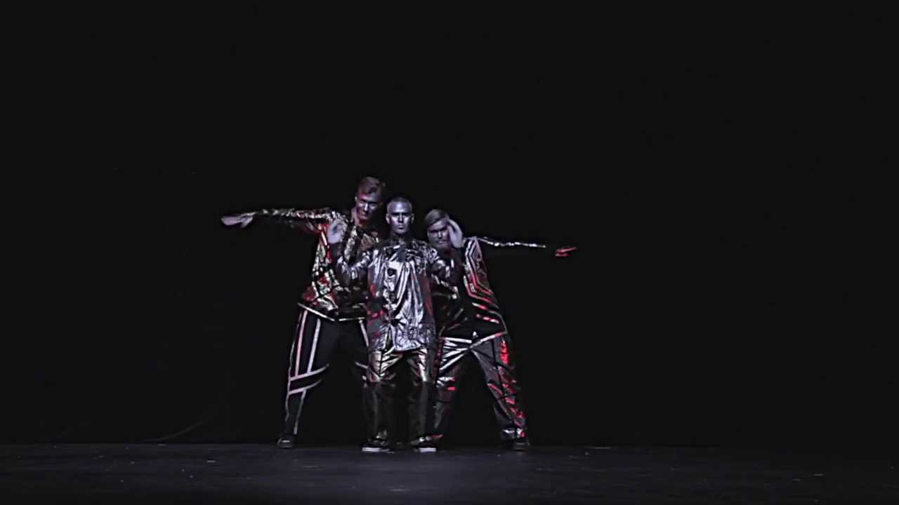 Incredible Robot Dance By The Robotboys And Poppin John