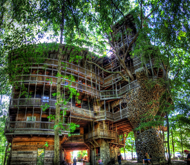 The Minister's Tree House, A Massive 80-Room Tree House in Tennessee