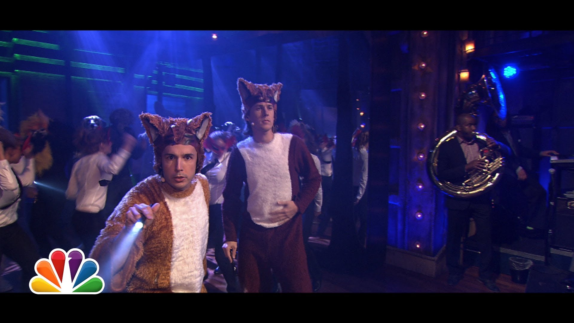 Ylvis Performs 'The Fox' Live With Jimmy Fallon & The Roots