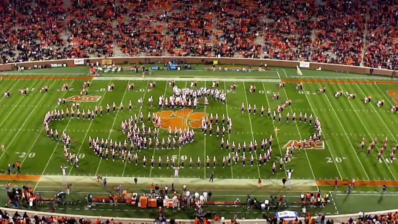 Clemson Tigers Marching Band Performs a Tribute to Classic Nintendo Video Games