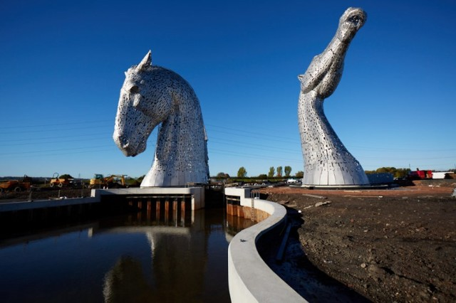 The Kelpies, A Pair of Massive Stainless Steel Horse Head Sculptures in Scotland