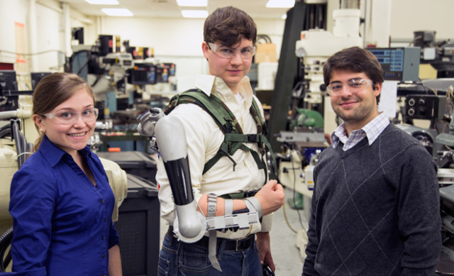 Titan Arm, University of Pennsylvania Students Design A Low Cost Upper Body Exoskeleton