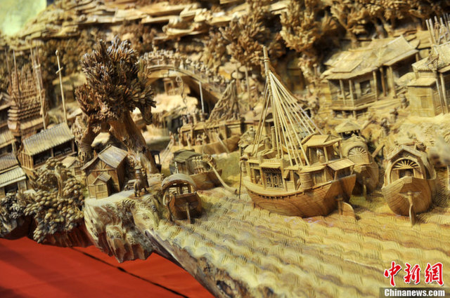 World's longest wooden sculpture