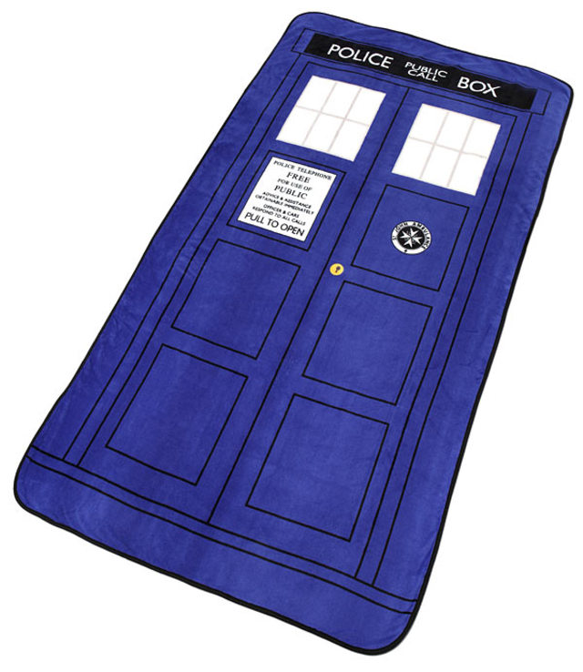 TARDIS Throw