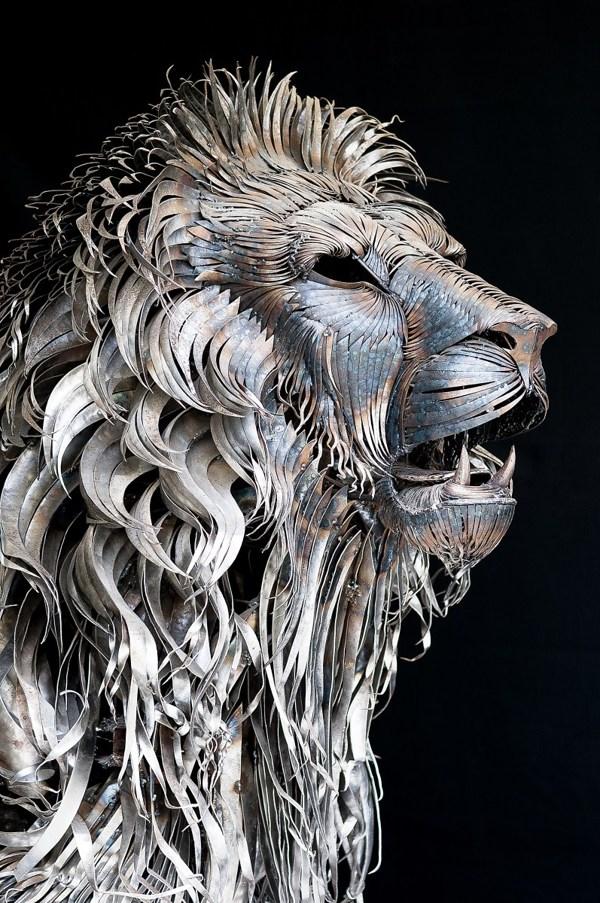 Aslan, A Massive Lion Sculpture Handmade from 4,000 Metal Scraps