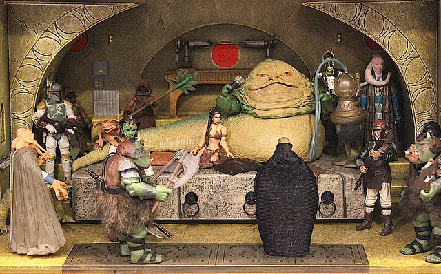 Highly-Detailed 'Star Wars' Dioramas Featuring Scenes and Characters From the Films