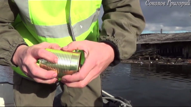How to Open a Can of Food Using Your Bare Hands