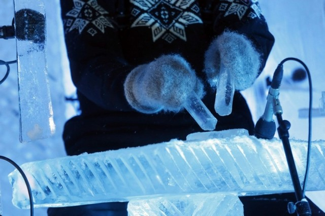 Norwegian Musician Makes Ice Music