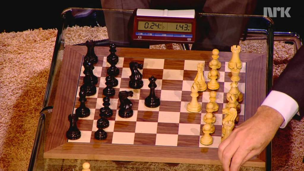 World Chess Champion Magnus Carlsen Demolishes Bill Gates in Nine Moves