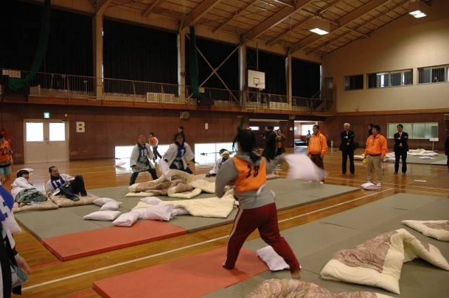 Japanese Pillow Tournament